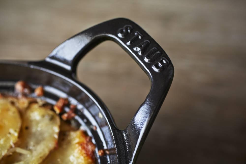 staub-cocotte-ovale-noir-11-a-41-cm
