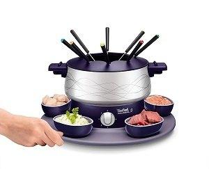Cet appareil à fondue Tefal possède des accessoires ludiques et pratiques